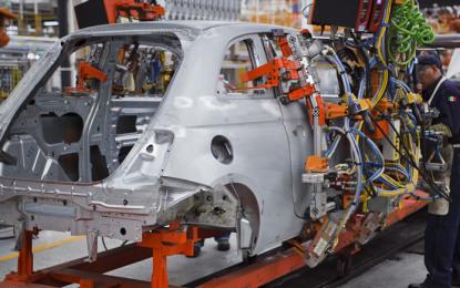 Las ventajas de producir autos en México: OPINIÓN