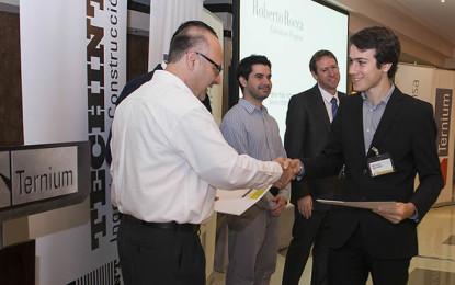 Siderúrgicas otorgan becas a estudiantes de ingeniería