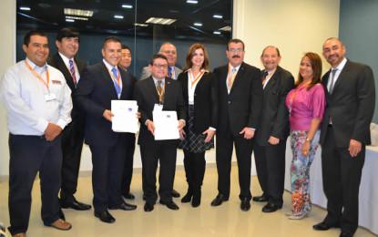 Firman acuerdo en aeroespacial Baja California-Colombia
