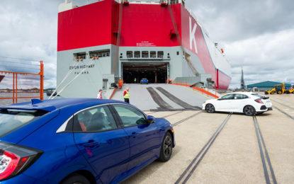 Cae exportación mexicana de autos a EU y Canadá