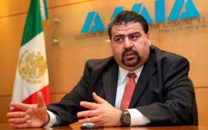 """""""Hay que tener mucha cabeza fría"""", dice AMIA ante amenaza de Trump de imponer aranceles a todas las exportaciones de México incluyendo autos"""