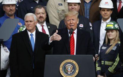 Trump firma T-MEC y dice que es una victoria colosal para la manufactura